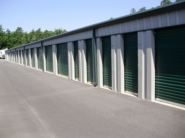Beware Of Hoarding: How A Storage Unit Keeps Areas In Your Home Clear